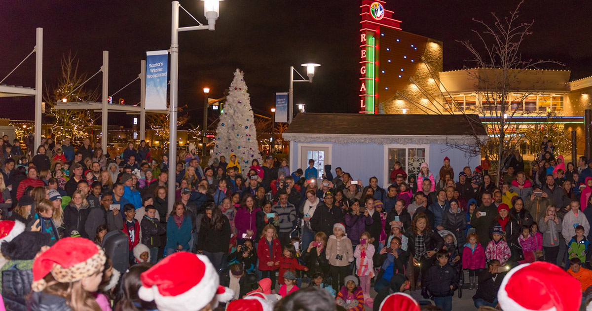 Grand Ridge Plaza Giving Tree Lighting Issaquah Highlands