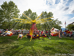 Cyclone Swing Chair Ride Highlands Day