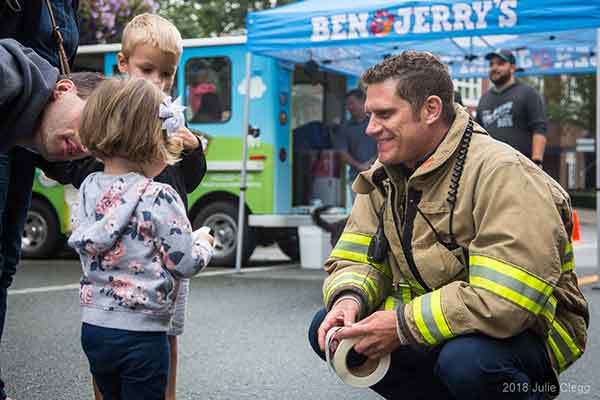 Highlands Day 2018 Child with Firefighter