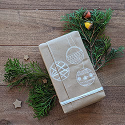 Green Holidays Eco-Friendly Wrapping
